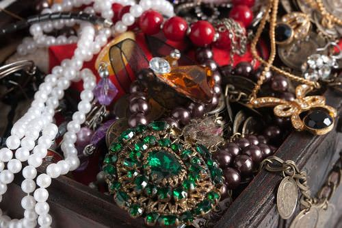 Places to Find Vintage Jewellery