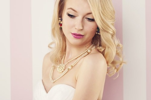 10 Most Beautiful Ways to Wear Pearls